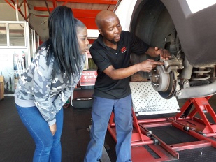 How to Check a Car's Automatic Transmission Fluid | Supa Quick